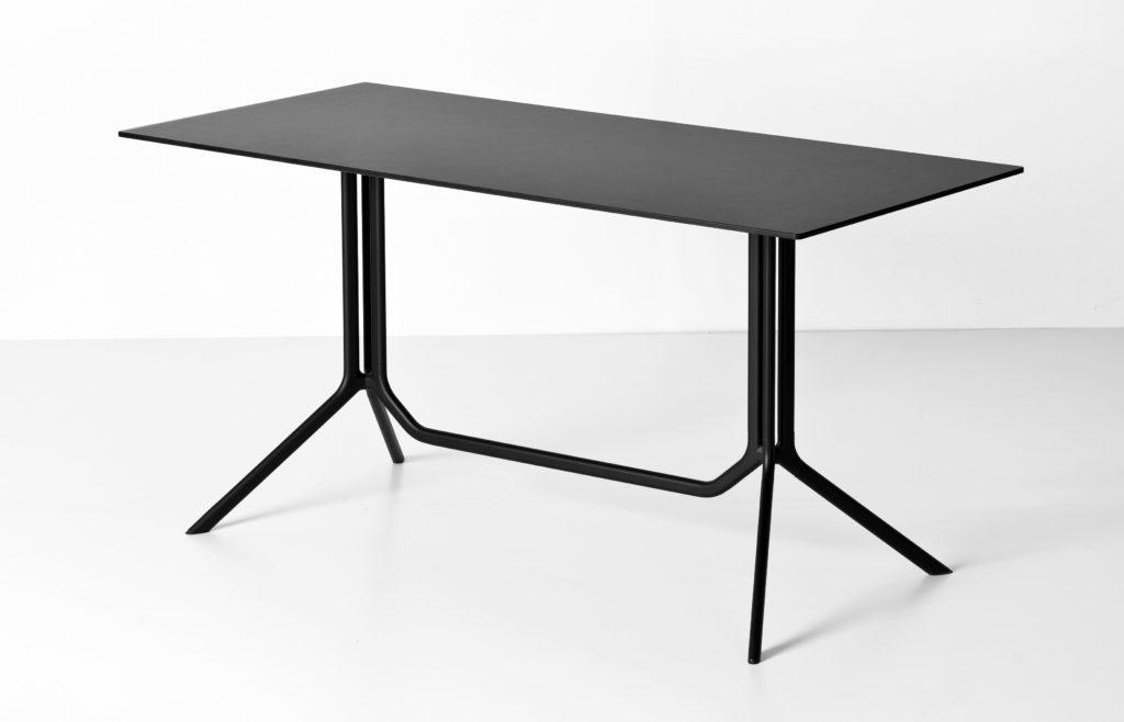 mesa1-kristalia-piezas-para-bares-que-estarán-en-tendencia--shopdesign